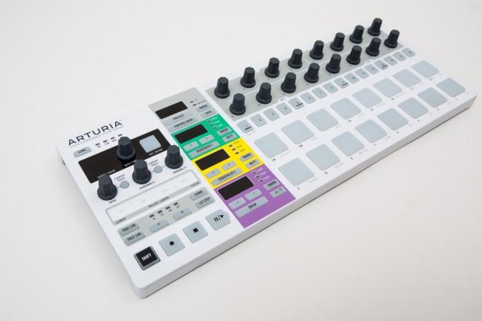 Arturia-BeatStep-Pro-700x467
