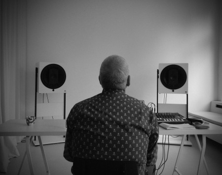 daniel_miller_listening_posted_by_alvanoto