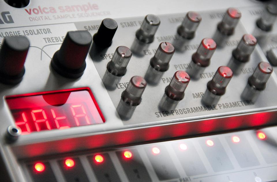 sample-robot-volca-x