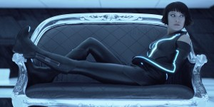 tron-legacy-olivia-wilde-quorra-trailer-screencap